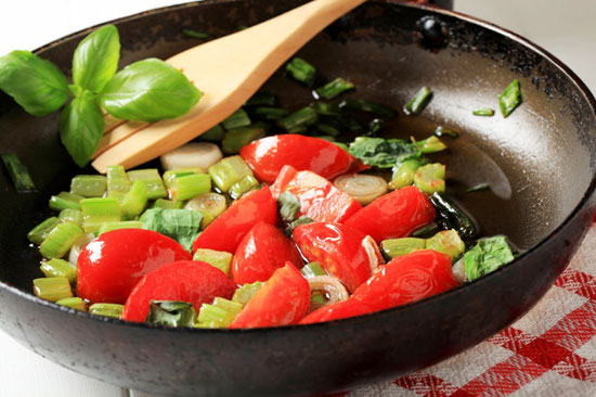 cook-veggies-sautee-550
